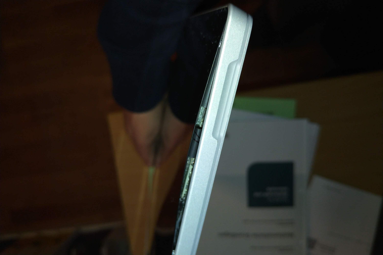 Surface Pro massive Qualitätsmängel - Display baucht sich, löst sich, massives Akku-Problem?