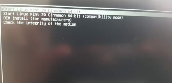 Linux Installation schwarzer Bildschirm?