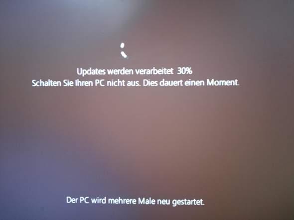 Windows 10 Update bleibt bei 30 % stehen?