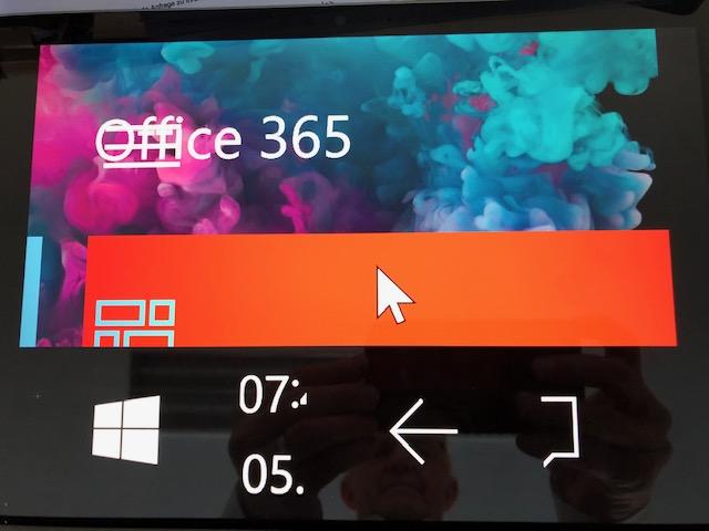 Surface pro 6 dummerweise die Auflösung auf 800 x 600 eingestellt - kann mich nicht mehr...