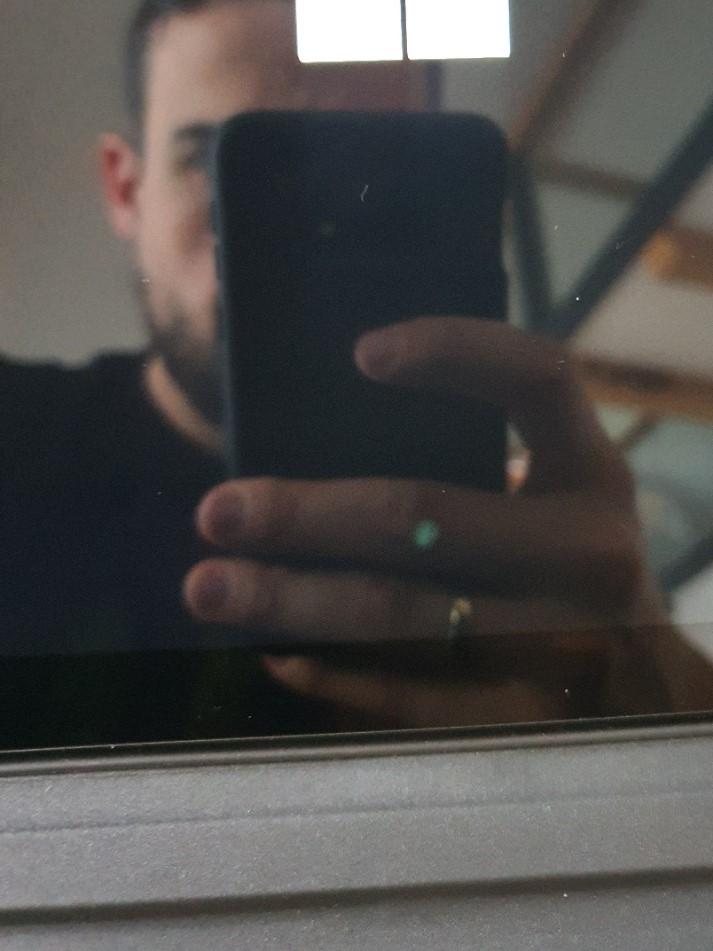 Surface Pro 6 - Heller Fleck